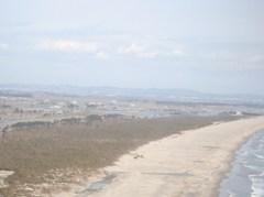 名取市南端より北端を望む。2011年4月21日航空調査にて