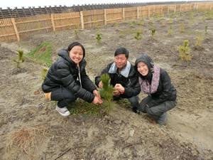 左からマレーシア、ミャンマー、モンゴルの研修生