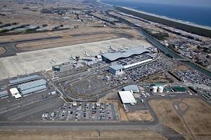 震災前の空港と貞山運河と海岸林
