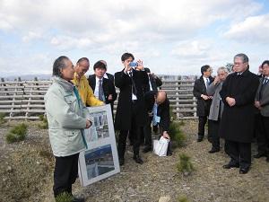 佐々木市長はこれより3日連続で海岸林の行事に。