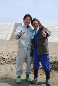 ここで出会った左:宮城県人と右:富山県人。完全に我が事として来てくれる