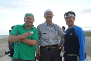 左:名頭薗委員長、右:円谷前委員長