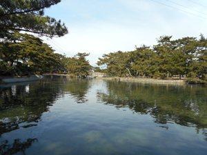 しょっぱい池です