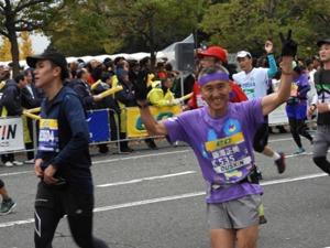 4年連続チャリティランナーの藤澤さん。大阪から名取にも何度も。途中2回声を掛け合った