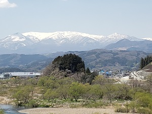 宮城県南の白石市から見た「蔵王山」