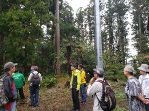 高木と低木を組み合わせ植えられている。屋敷と林の距離も適度にあり、敷地全体の防風効果がある。