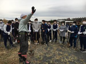 香川県立高松北高校33名。すごかったです。校長先生が小林省太さんの講演を香川で聴いたことをきっかけにコロナ禍にも関わらず実現。
